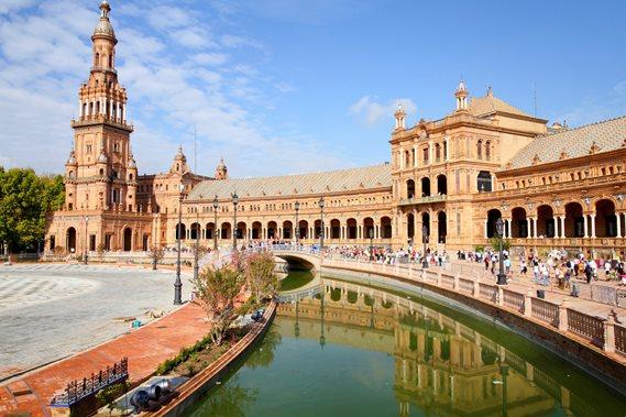 Asumisen ja ruoan hintataso on Espanjassa huomattavasti alhaisempi kuin.